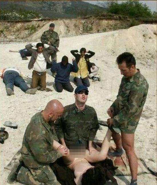 【胸糞注意】戦争真っ只中の現地民は兵士にレイプされるという事実・・・こいつらA級戦犯やな。(画像あり)・17枚目