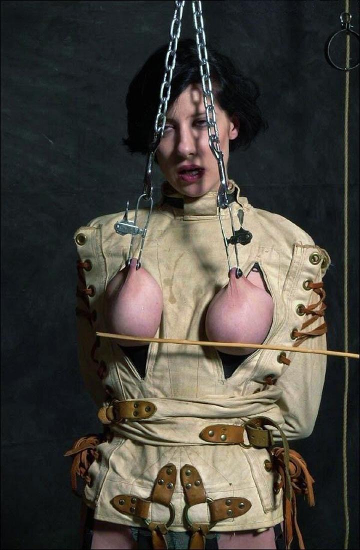 【※生傷注意】「これ拷問??」と勘違いする本場のSMをご覧ください・・・(画像あり)・2枚目