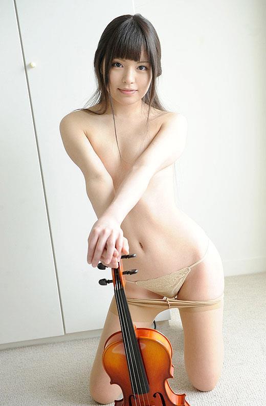 【エロ画像】元音楽家の女性がAV出演したら十中八九こうなるwww楽器の使い方wwwwwwwwwwwwww・24枚目