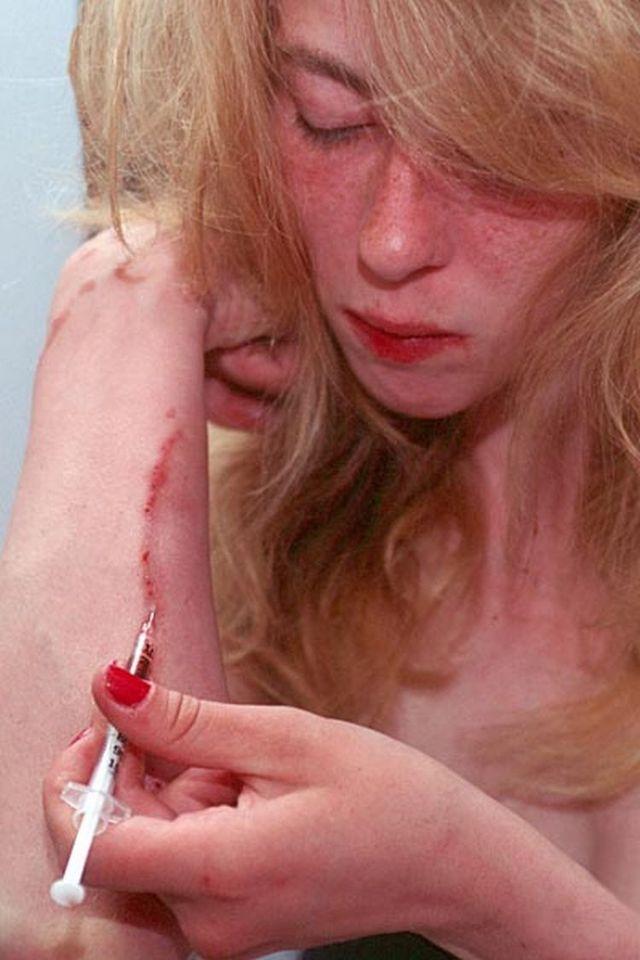 【閲覧注意】覚せい剤中毒女性の末路画像、怖いンゴ。(画像あり)・5枚目