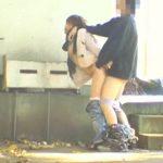 【マジキチ】盛りのついたバカップルが野外SEXしてるところを撮影されるwwwwwwwwwwwwwwwww(GIFあり)