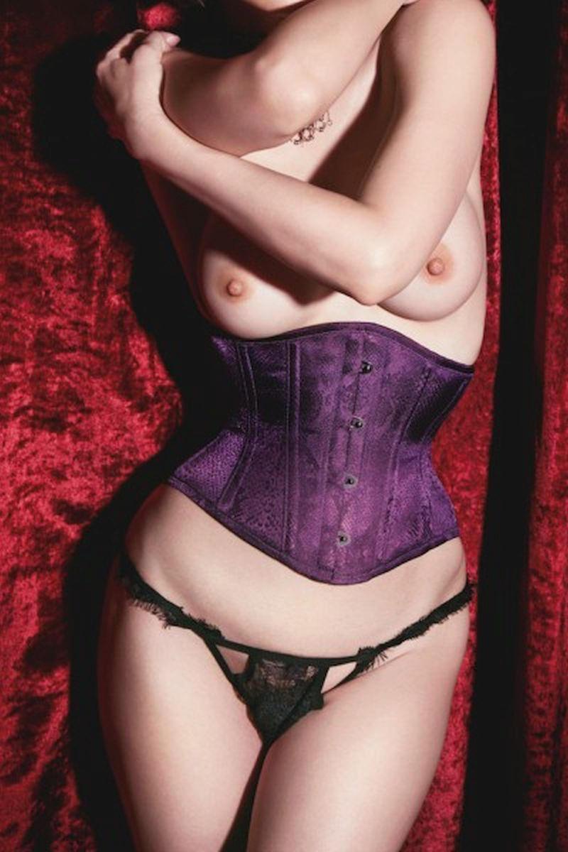 【エロ画像】整形に歯止めが効かない山咲千里さん(55)のおっぱいをご覧くださいwwwwwwwwwwwwwww・6枚目