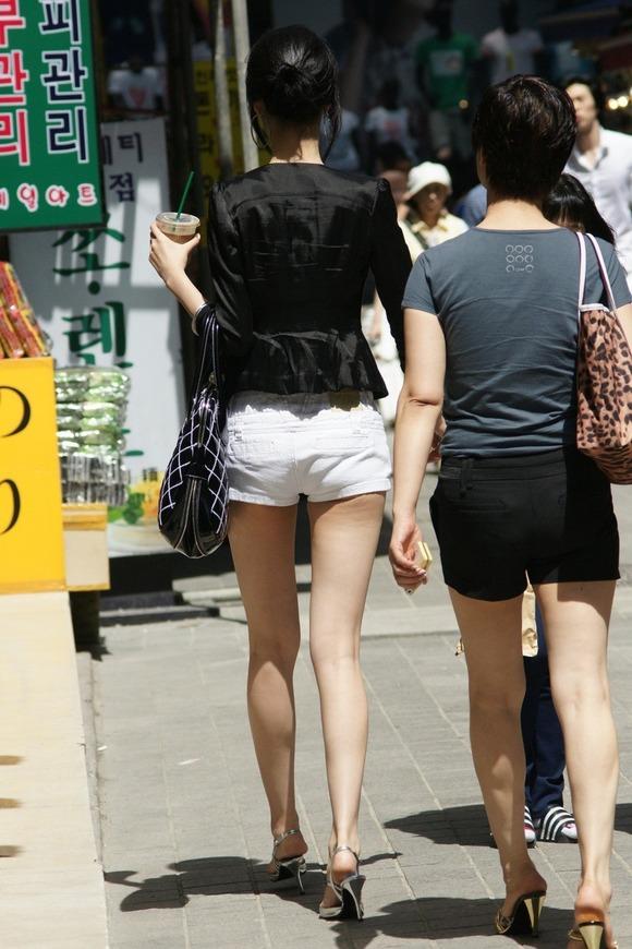 【盗撮】足フェチのワイ、韓国行って街撮りしてきたから画像晒すわwwwwwwwwwwwwww(画像あり)・12枚目