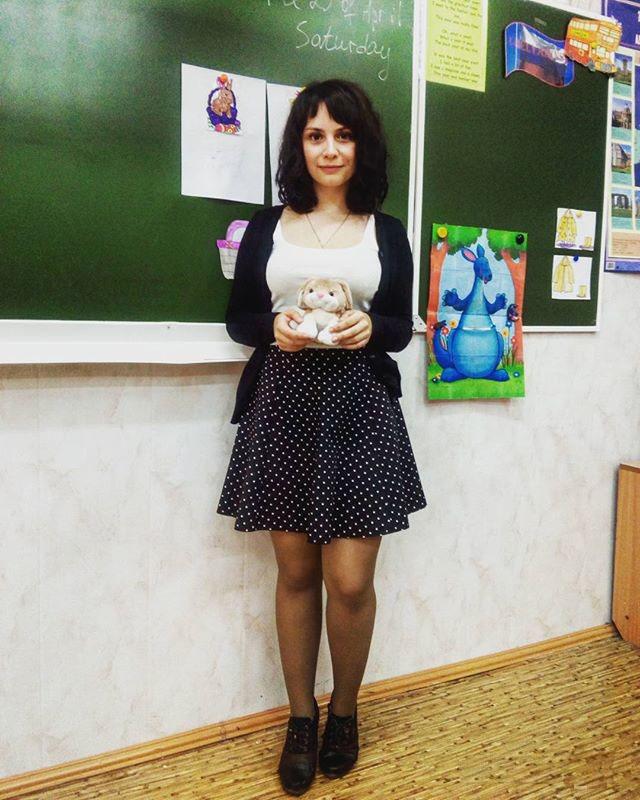 【エロ画像】父親をメロメロにするロシアの女教師マジで恐ロシアwwwwwwwwwwwwwwwwwwww・12枚目