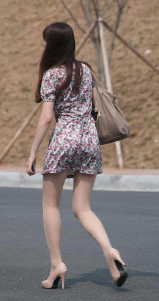 【盗撮】足フェチのワイ、韓国行って街撮りしてきたから画像晒すわwwwwwwwwwwwwww(画像あり)・13枚目