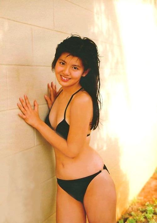 【エロ画像】「え、これでフォトショ無し?」80年代のグラドル有能すぎwwwwwwwwwwwwwwwww・21枚目