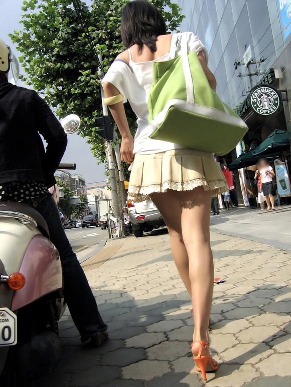 【盗撮】足フェチのワイ、韓国行って街撮りしてきたから画像晒すわwwwwwwwwwwwwww(画像あり)・23枚目