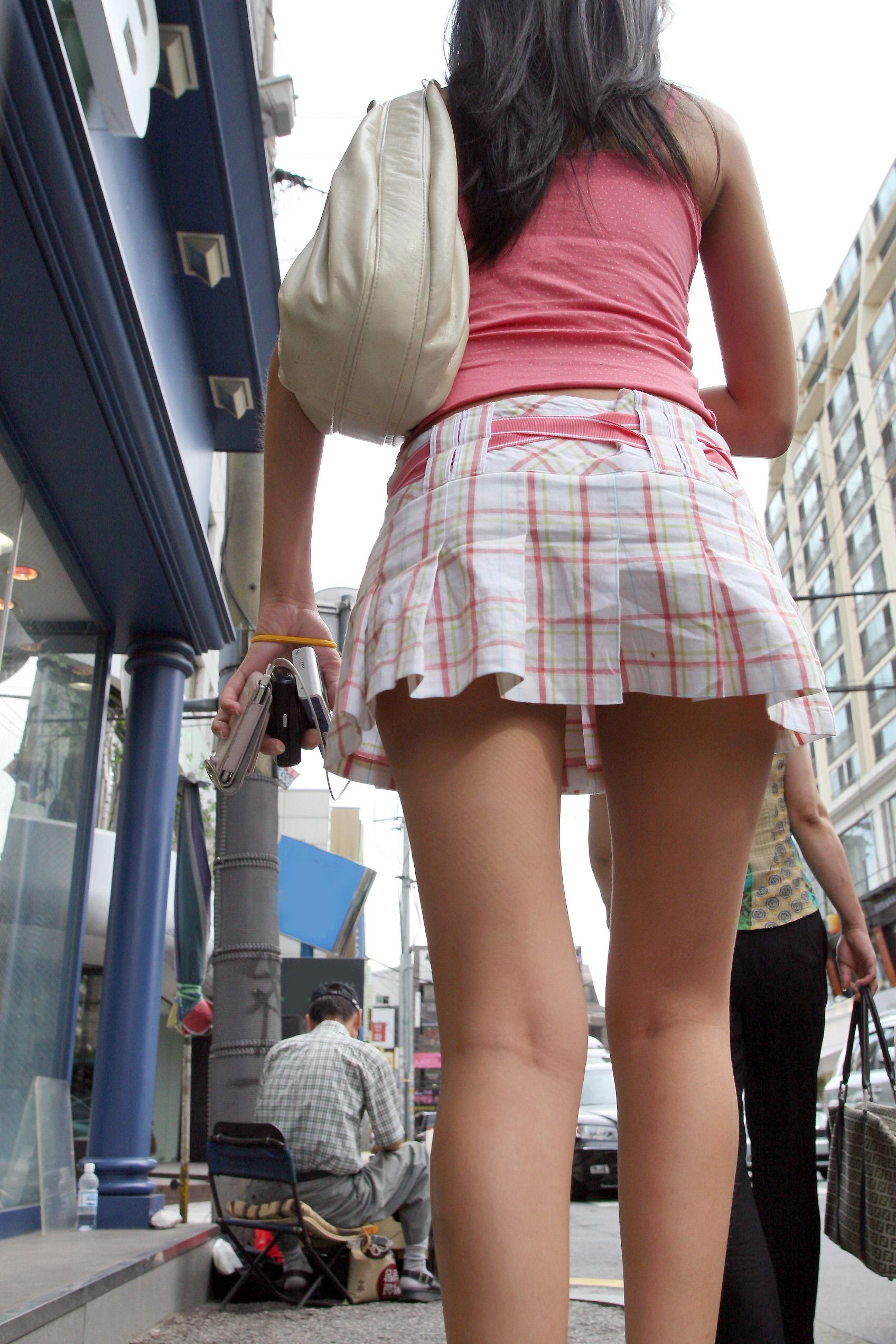 【盗撮】足フェチのワイ、韓国行って街撮りしてきたから画像晒すわwwwwwwwwwwwwww(画像あり)・25枚目