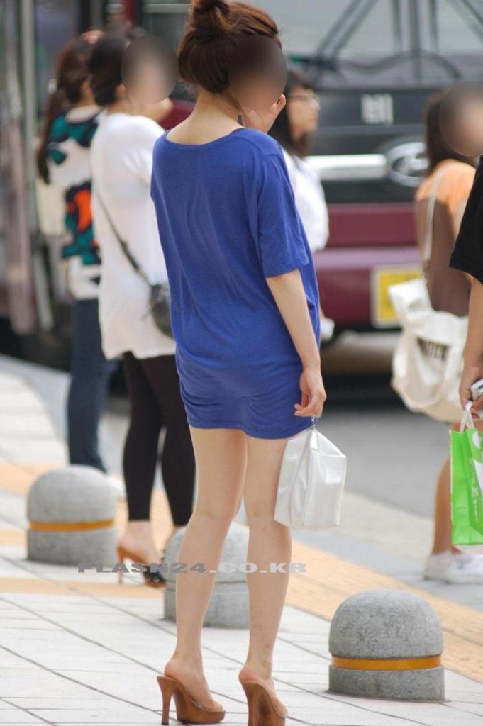 【盗撮】足フェチのワイ、韓国行って街撮りしてきたから画像晒すわwwwwwwwwwwwwww(画像あり)・26枚目