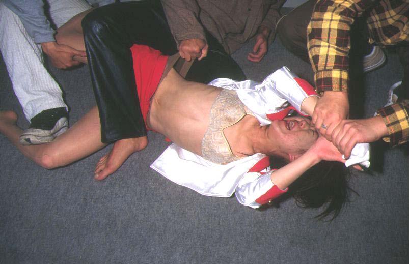 【胸糞注意】レイプされまくった女性の末路、、これあかんでしょ。(画像30枚)・3枚目