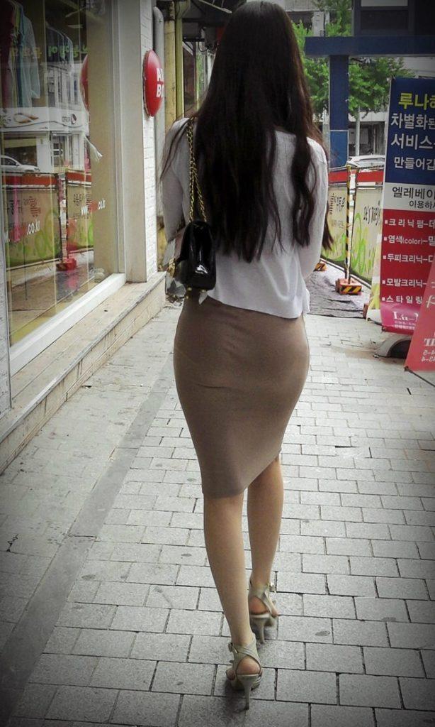 【盗撮】足フェチのワイ、韓国行って街撮りしてきたから画像晒すわwwwwwwwwwwwwww(画像あり)・8枚目