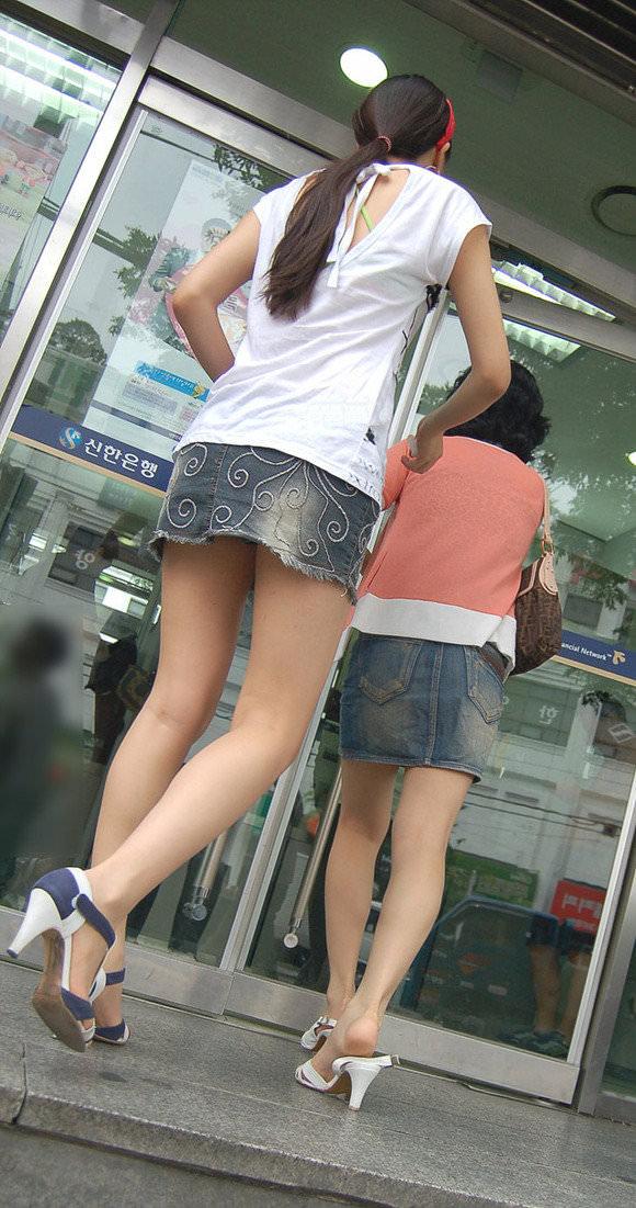 【盗撮】足フェチのワイ、韓国行って街撮りしてきたから画像晒すわwwwwwwwwwwwwww(画像あり)・9枚目