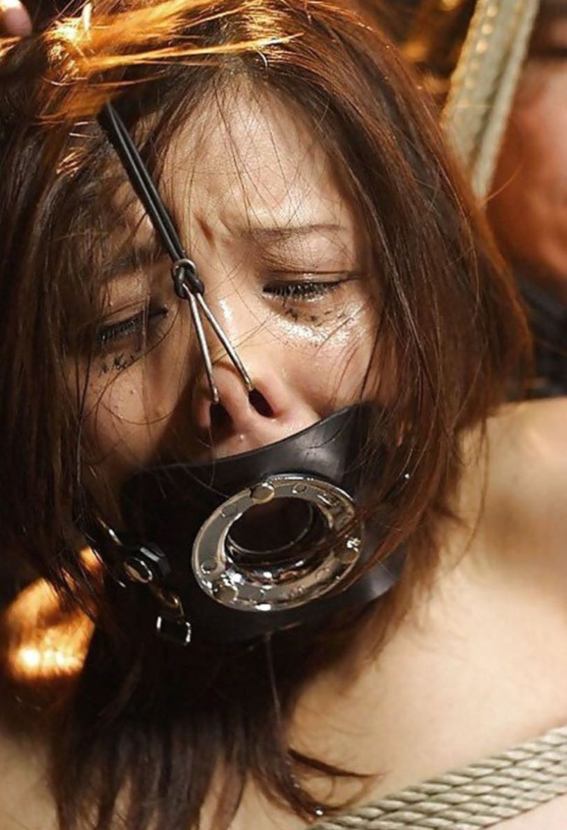 【過激】SMプレイで鼻フック使われた女をご覧ください。誰得やろwwwwwwwwwwwwwww・28枚目