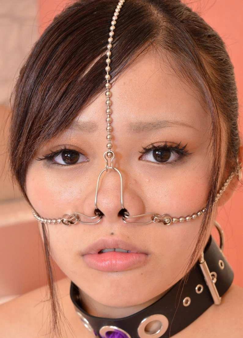 【過激】SMプレイで鼻フック使われた女をご覧ください。誰得やろwwwwwwwwwwwwwww・3枚目
