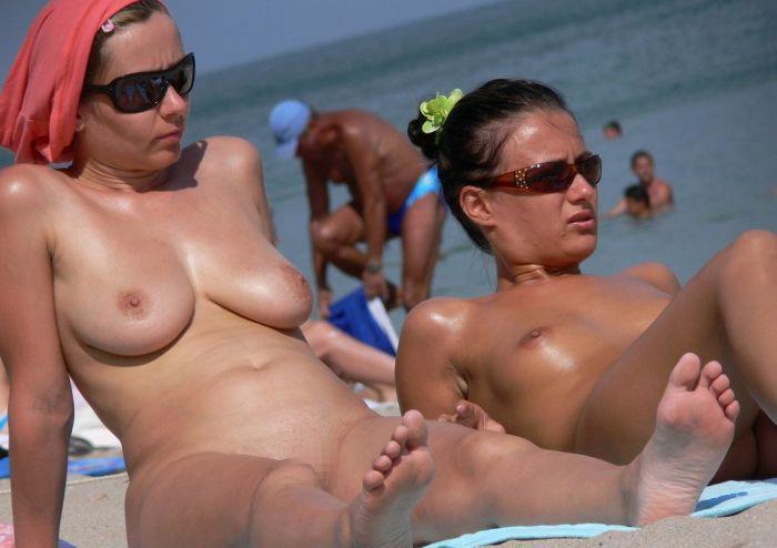DTのワイ、息子が秒殺される自信があるヌーディストビーチでの美巨乳美女wwwwwww(画像あり)・12枚目