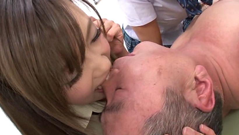 【エロ画像】大好きな男を「噛む」事に喜びを感じるまんさんをご覧くださいwwwwwww・17枚目