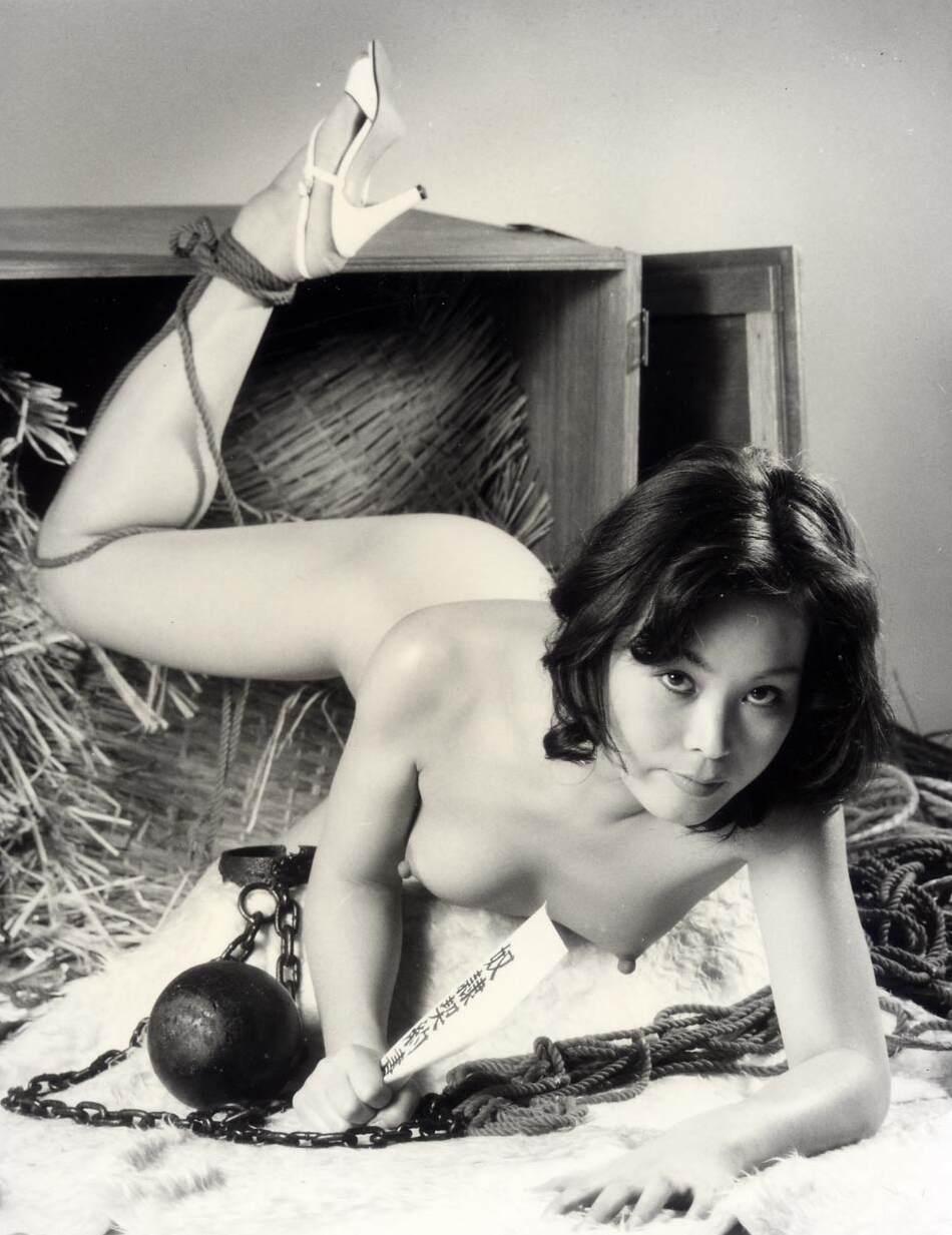 【閲覧注意】ガチ臭を放つ若き頃の母のハメ撮り画像を見つけたんだが。。。(画像あり)・18枚目