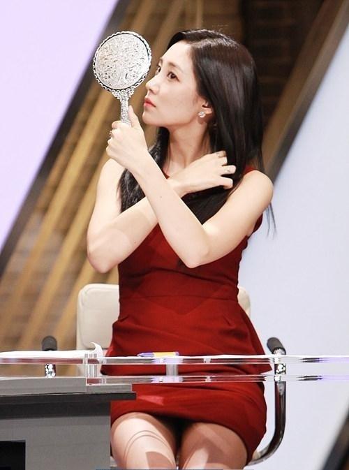 【エロ画像】自主規制もお股もユルユルな韓国の女子アナまんさんエッロwwwwwwwwwwwww・24枚目