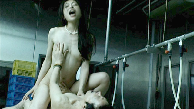 【エロ画像】おっぱいを揉みししだかれる女優さんの演技がこちら。流石やねwwwwwwwwwwwwww・3枚目