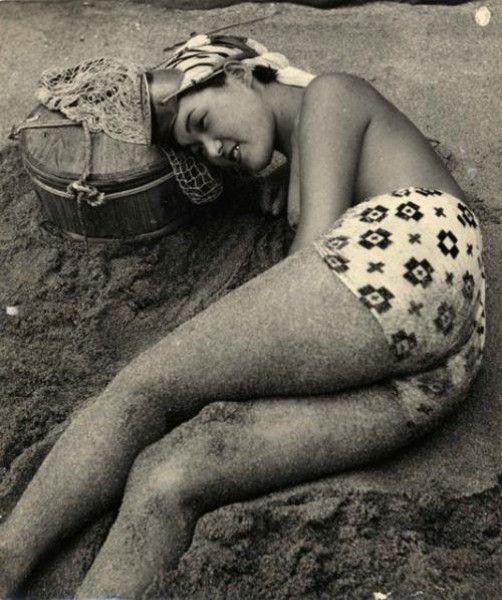 【画像あり】昭和の「海女さん」がお仕事してる写真が発見される。マジかぁwwwwwwwww・4枚目