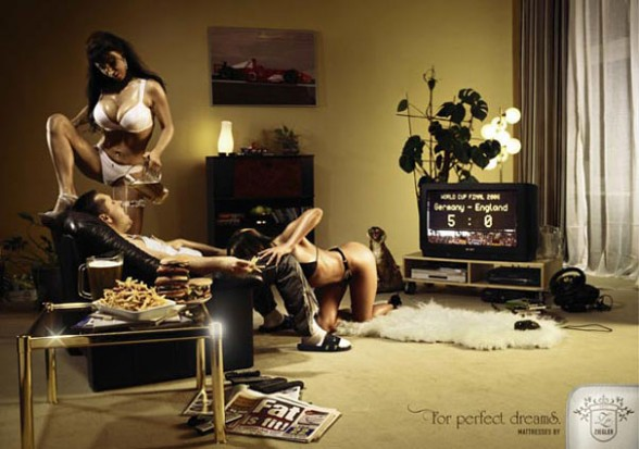 【エロ画像】海外のエロすぎる広告素材マジで丸出しすぎwwwコレは18禁やろwwwwwwwwwwww・10枚目