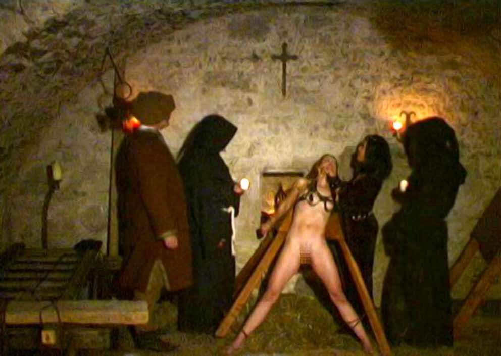 【閲覧注意】中世ヨーロッパに存在した女性に対しての拷問・・・悪魔の所業やな。(画像あり)・10枚目