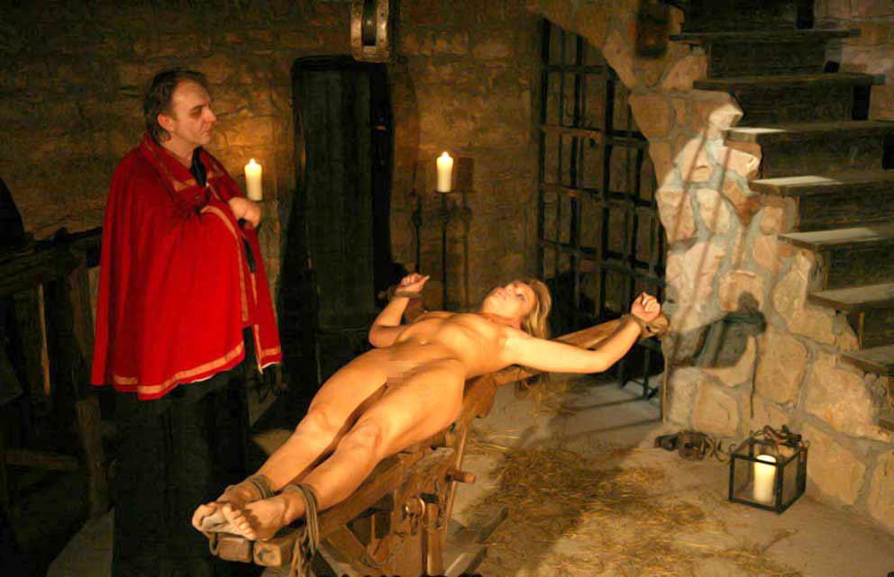 【閲覧注意】中世ヨーロッパに存在した女性に対しての拷問・・・悪魔の所業やな。(画像あり)・11枚目