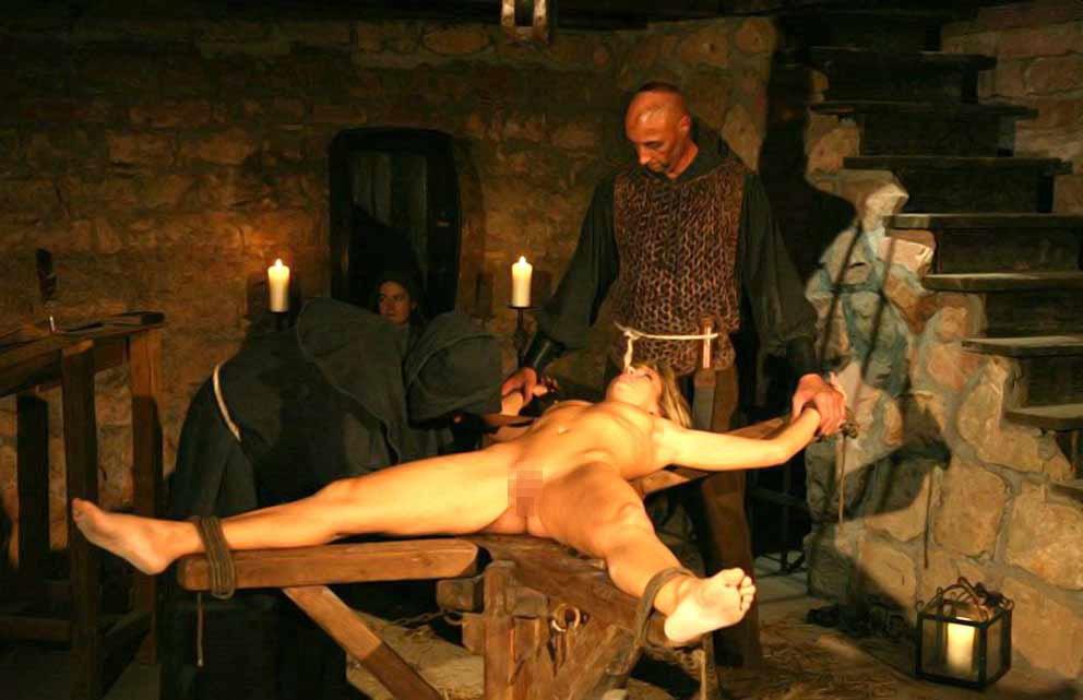 【閲覧注意】中世ヨーロッパに存在した女性に対しての拷問・・・悪魔の所業やな。(画像あり)・14枚目