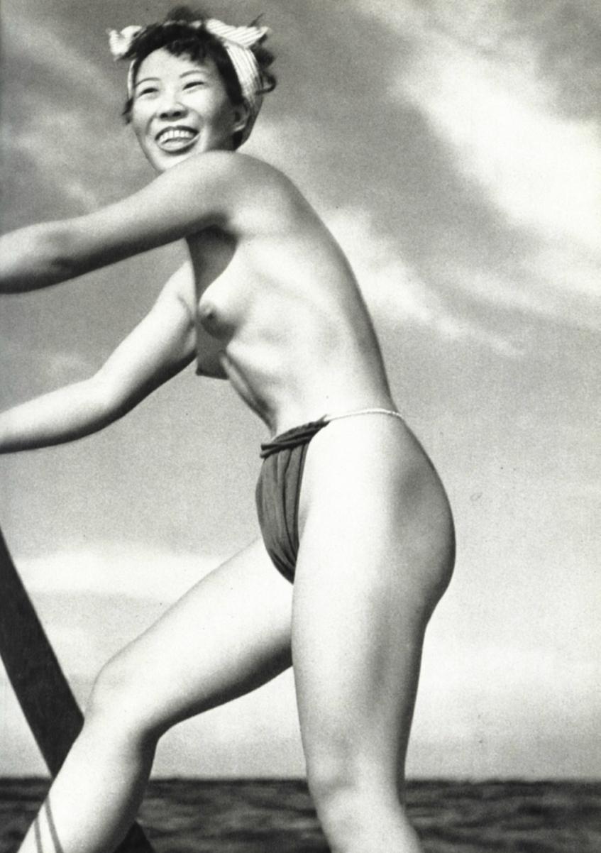【画像あり】昭和の「海女さん」がお仕事してる写真が発見される。マジかぁwwwwwwwww・15枚目