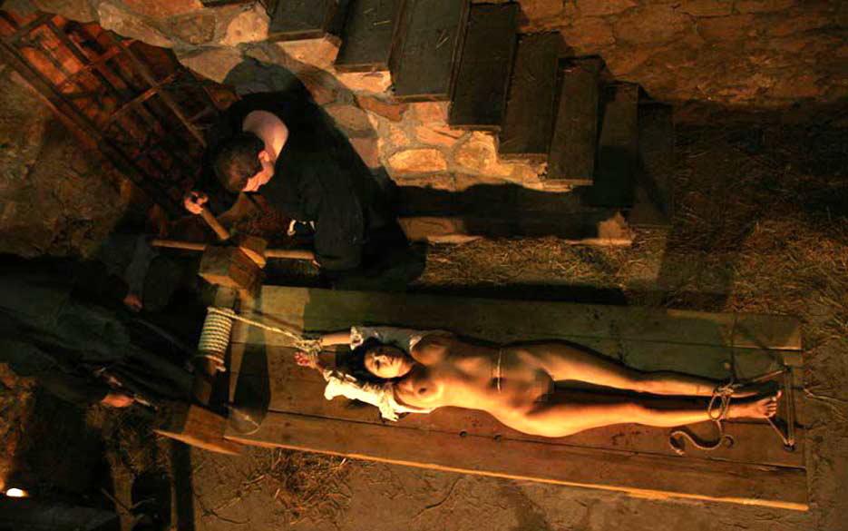 【閲覧注意】中世ヨーロッパに存在した女性に対しての拷問・・・悪魔の所業やな。(画像あり)・18枚目