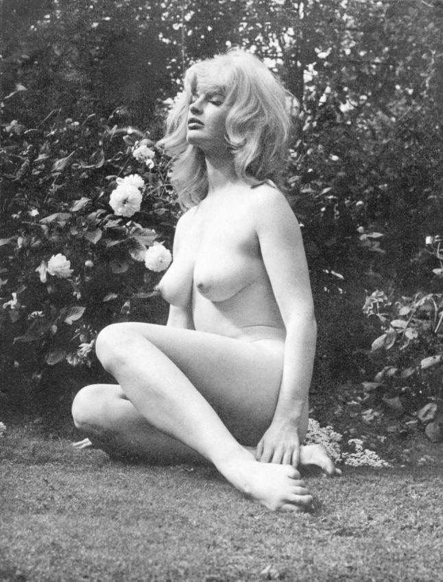 【貴重】80年代アメリカさんのヌード写真がうpされ日本女性とのポテンシャルの違いを見せつけるwwwwwwwww(画像あり)・2枚目