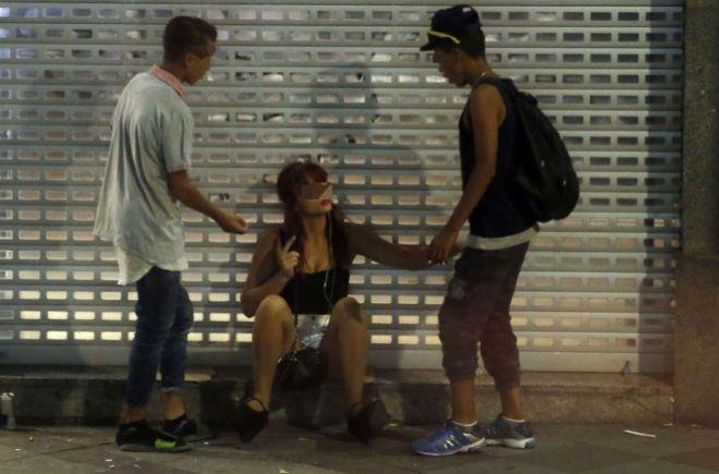 【エロ画像】本場の売春まんさん、客を引っ掛けてる生々しい実態がコチラwwwwwwwwwww・22枚目