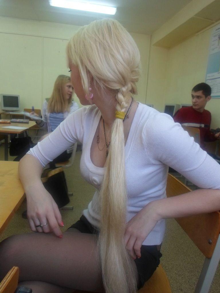 【エロ画像】ロシアの女子大生が一番エロいと言われる理由がこちら。納得やわwwwwwwwwwwwww・23枚目