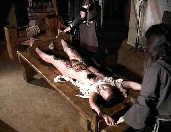 【閲覧注意】中世ヨーロッパに存在した女性に対しての拷問・・・悪魔の所業やな。(画像あり)・6枚目