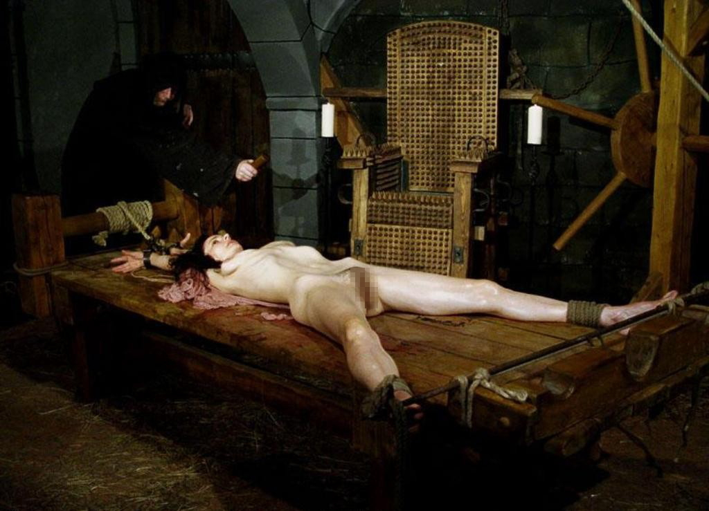 【閲覧注意】中世ヨーロッパに存在した女性に対しての拷問・・・悪魔の所業やな。(画像あり)・7枚目