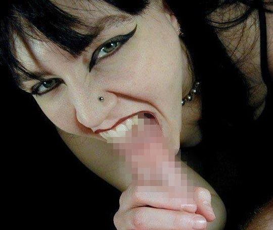 【閲覧注意】強姦魔に出くわしたまんさん、殴り殺されるであろう最後の抵抗がコチラ。。。 (llllll゚Д゚)ヒィィィィ・9枚目