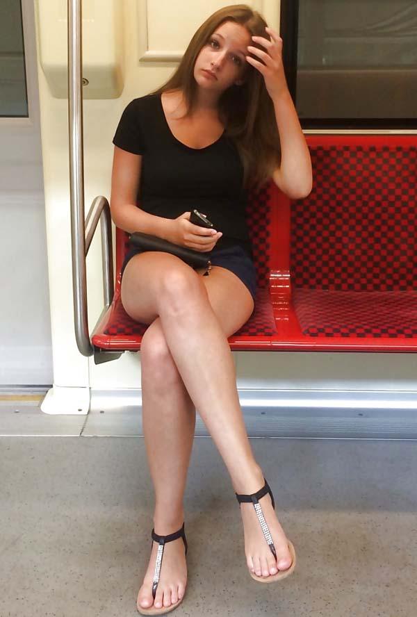 【エロ画像】海外旅行中のワイ、エロいお姉さんを盗撮しまくってたらバレたったwwwwwwwwwwww・1枚目