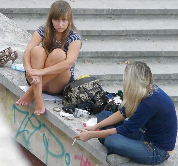 【エロ画像】海外旅行中のワイ、エロいお姉さんを盗撮しまくってたらバレたったwwwwwwwwwwww・11枚目