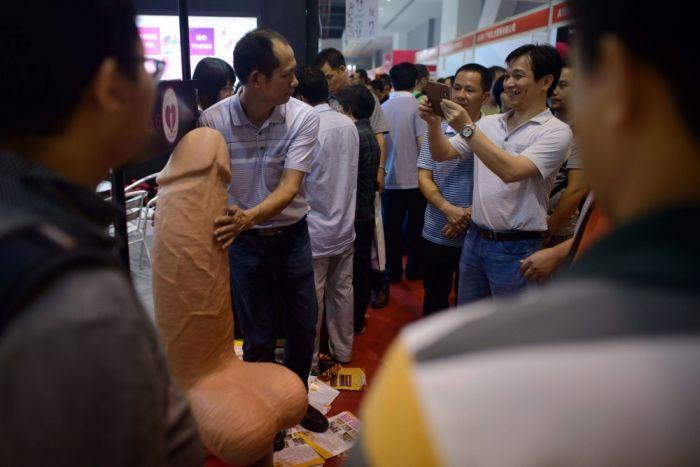 【画像あり】中国で開催された「性の展覧会」メディアでは絶対に扱えないエロさでワロタwwwwwwwwwwwwww・19枚目