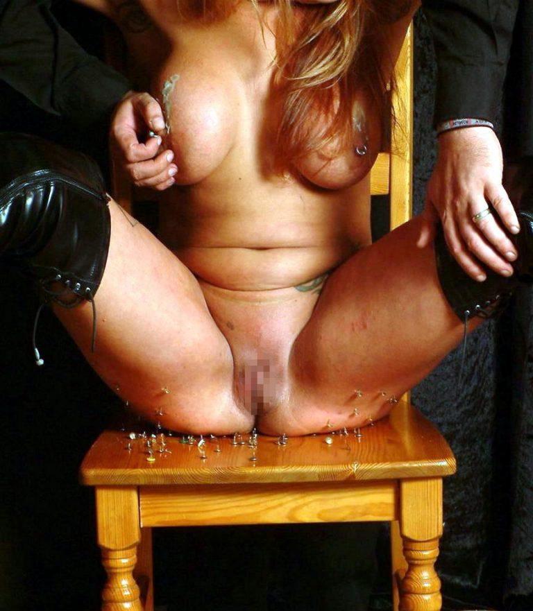 【閲覧注意】画鋲を性的プレイに応用したマジキチまんさんがこちら。(画像あり)・4枚目