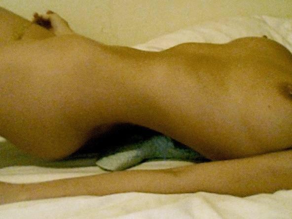【流出】ハリウッド女優さん、拡散されまくったエロ画像。マンコはアカンやろ・・・(画像あり)・87枚目