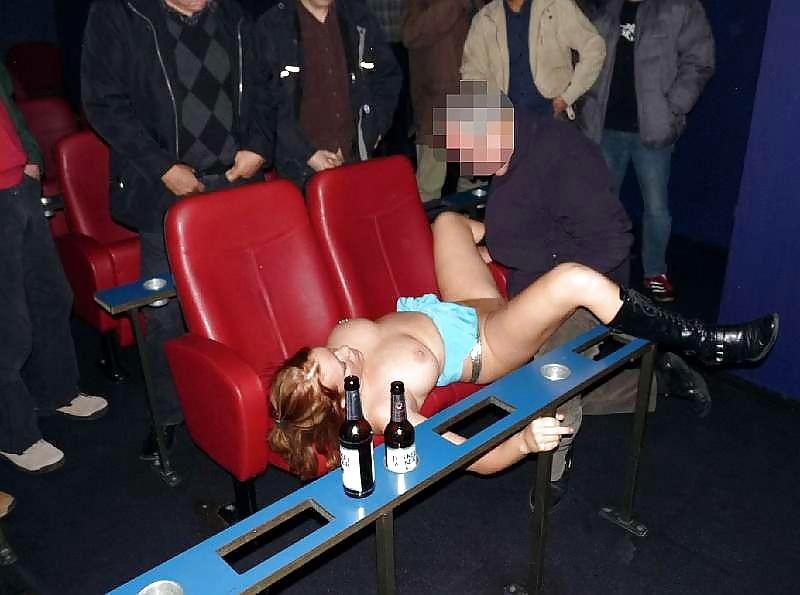 【マジキチ】海外のバカップル一時の性欲を激写され無事死亡wwwwwwwwwwwww(画像あり)・11枚目