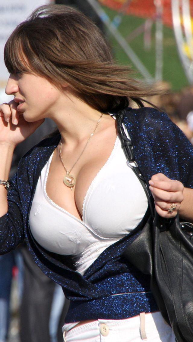 【大迫力】ボリュームが凄い海外女子の着衣巨乳、谷間で抜けるレベルwwwwwwwwwwww(画像30枚)・15枚目