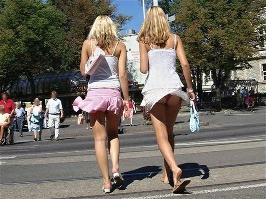 【エロ画像】街で勝負下着を盗撮された意識高すぎ高杉さんwwwwwwwwwwwwwwwww・20枚目