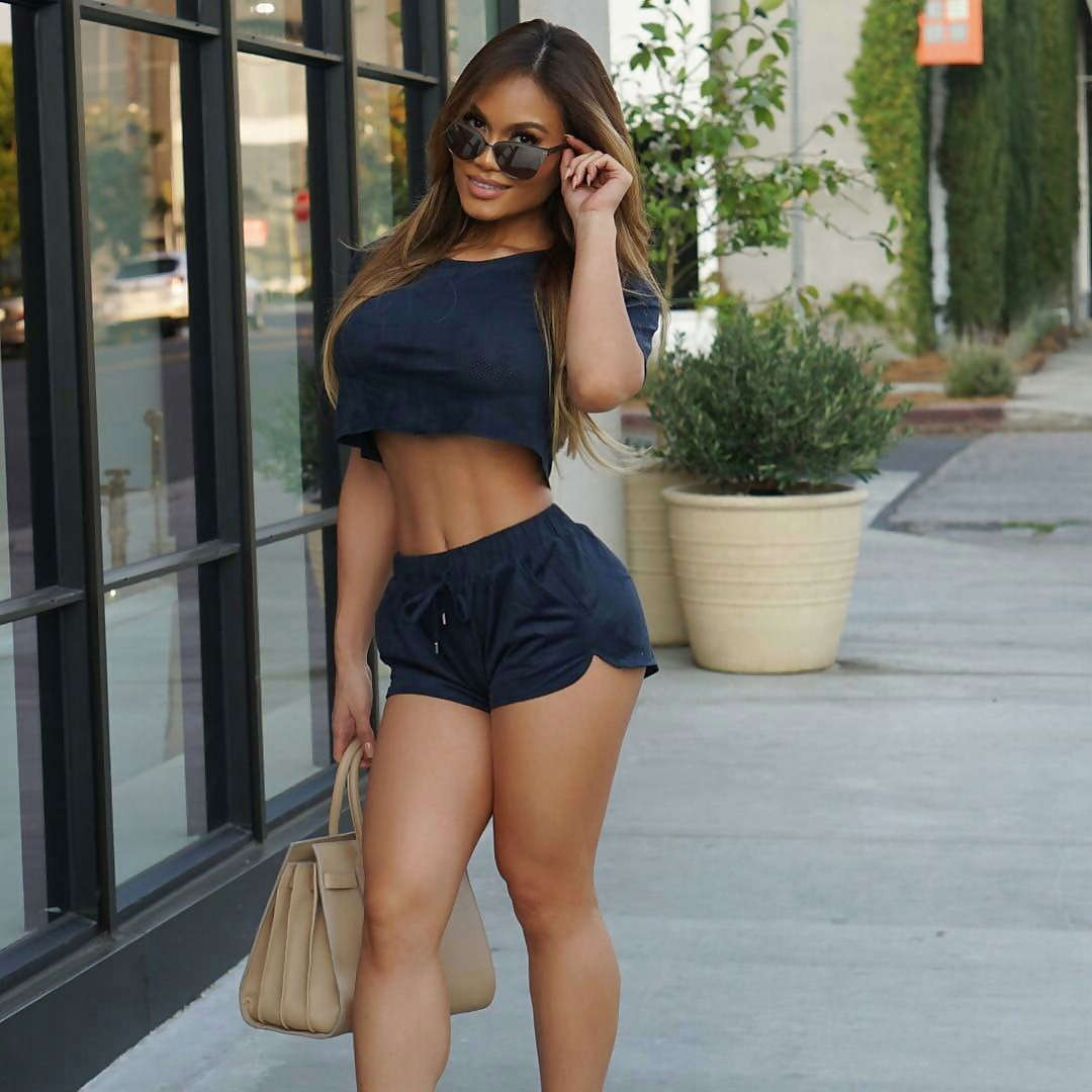 【大迫力】ボリュームが凄い海外女子の着衣巨乳、谷間で抜けるレベルwwwwwwwwwwww(画像30枚)・23枚目