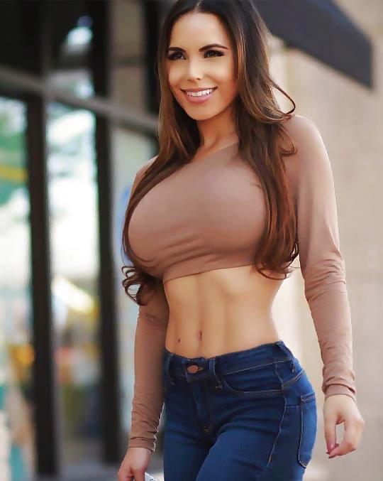 【大迫力】ボリュームが凄い海外女子の着衣巨乳、谷間で抜けるレベルwwwwwwwwwwww(画像30枚)・27枚目