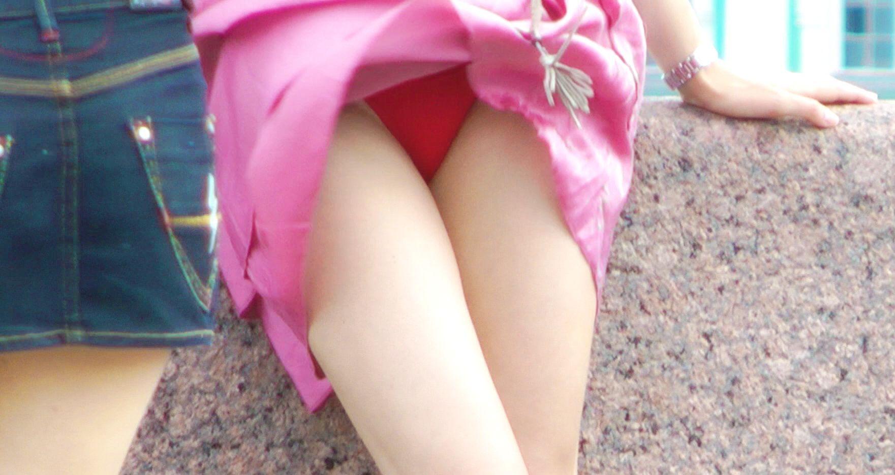 【エロ画像】街で勝負下着を盗撮された意識高すぎ高杉さんwwwwwwwwwwwwwwwww・6枚目