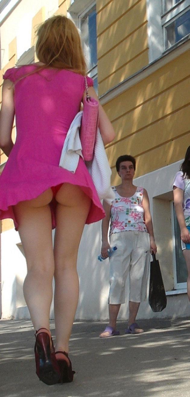 【エロ画像】街で勝負下着を盗撮された意識高すぎ高杉さんwwwwwwwwwwwwwwwww・8枚目
