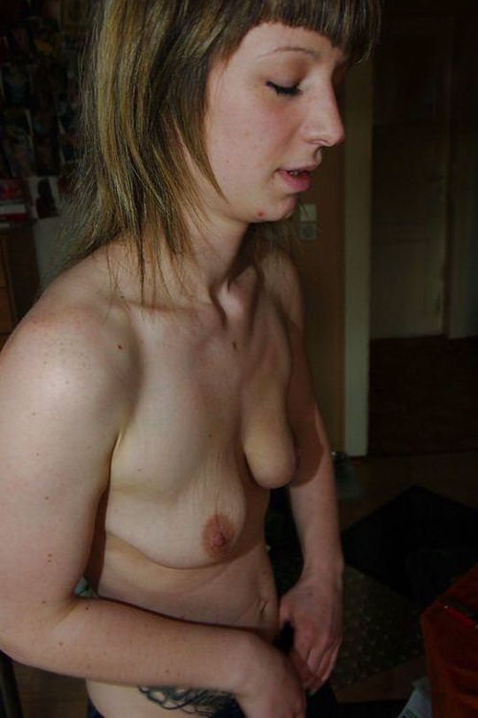 【強烈】ギリギリ抱けそうな垂れ乳BBAの体をご覧ください。(画像あり)・16枚目