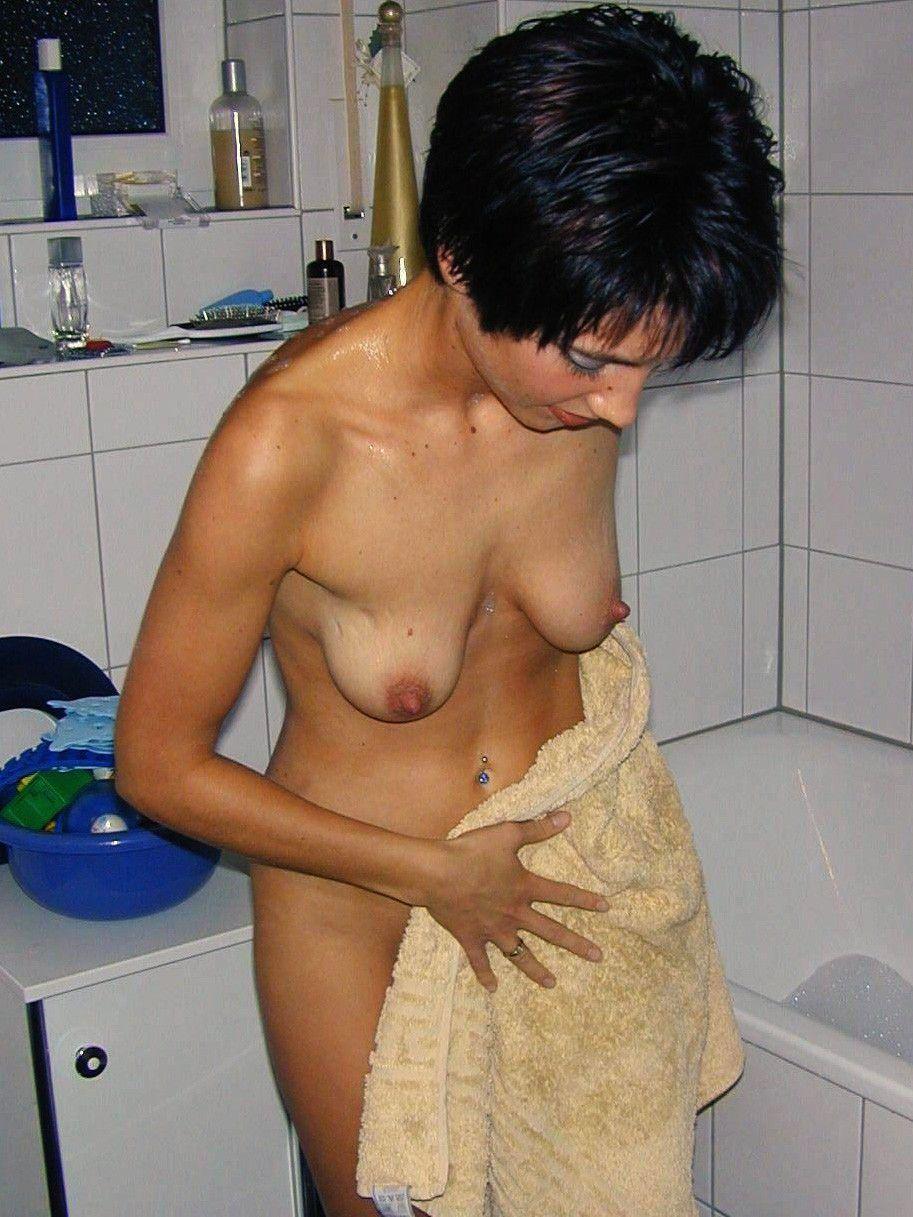 【強烈】ギリギリ抱けそうな垂れ乳BBAの体をご覧ください。(画像あり)・19枚目